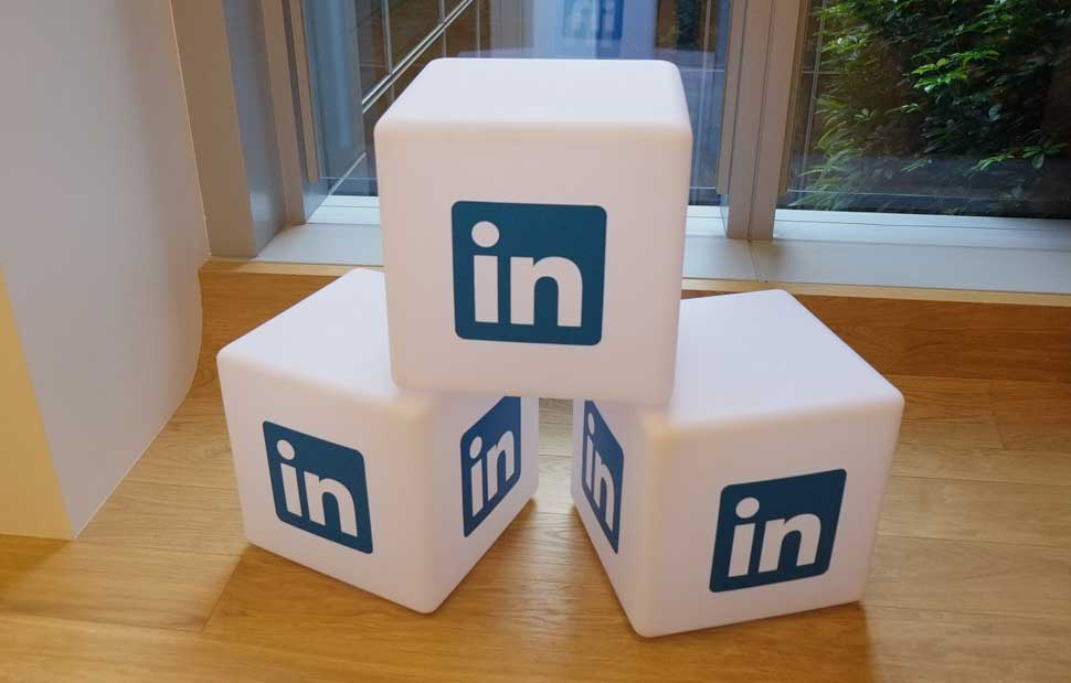 LinkedIn profiles – a quick guide to developing your personal brand online